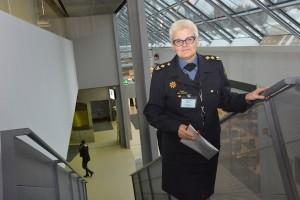 Pelastusopiston rehtori Mervi Parviainen on huolissaan säästöistä.
