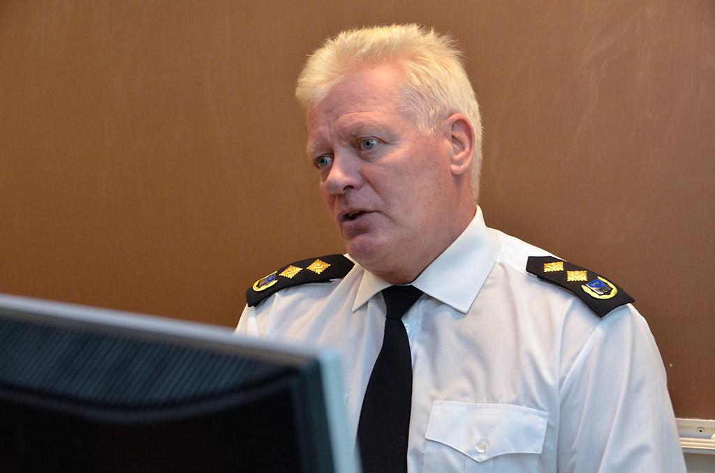 Pelastuskomentaja Simo Weckstén sanoo, että pelastajatutkinnon pääsyvaatimuksia ei olla muuttamassa