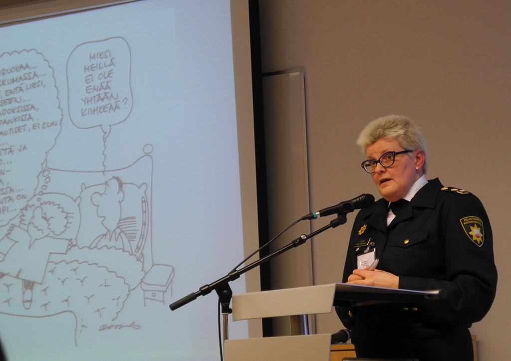 Mervi Parviainen puhui tasa-arvosta SPEKin seminaarissa.