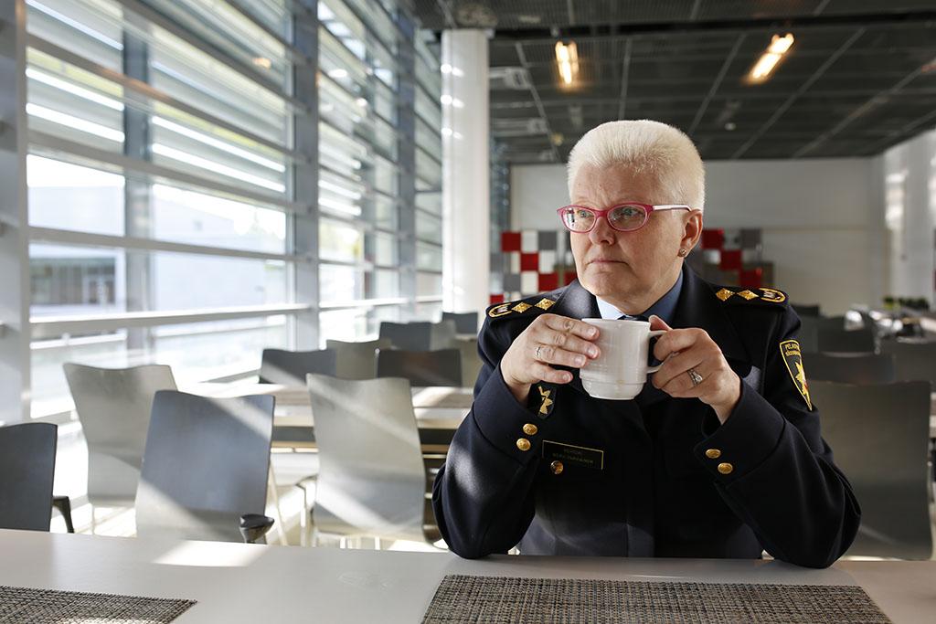 Mervi Parviainen on Pelastusopiston rehtori.
