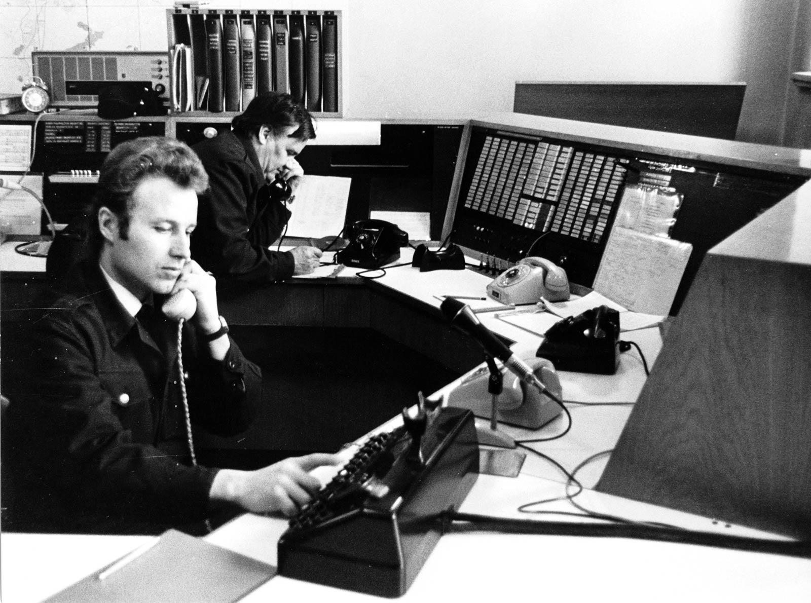 Tampereen palolaitoksen hälytyskeskus sijaitsi keskuspaloaseman yhteydessä. Oman palokunnan yksiköille annettiin 546 palo- tai pelastustehtävää sekä 1826 sairaankuljetusta vuonna 1973.