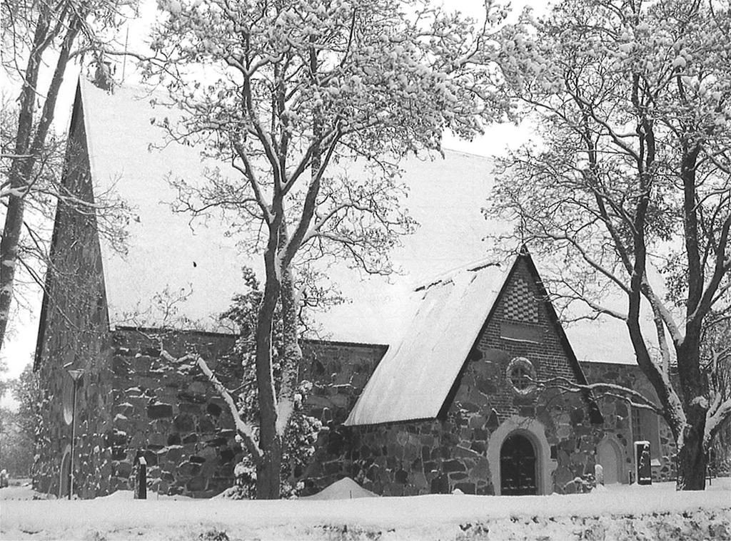 Kymmenen ihmistä kuoli Lammilla joulukirkossa vuonna 1813, kun lattian alle pudonneen kynttilän aiheuttama valon kajo aiheutti paniikin. Pahimmin kävi kirkon ovensuussa, missä pakokauhun valtaan joutuneet survoivat ja tallasivat alleen toisiaan pyrkiessään ulos. Kirkon tyhjennyttyä ei mistään löytynyt kipinääkään. Kuva: Markku Pikivirta, Lammin palolaitos.