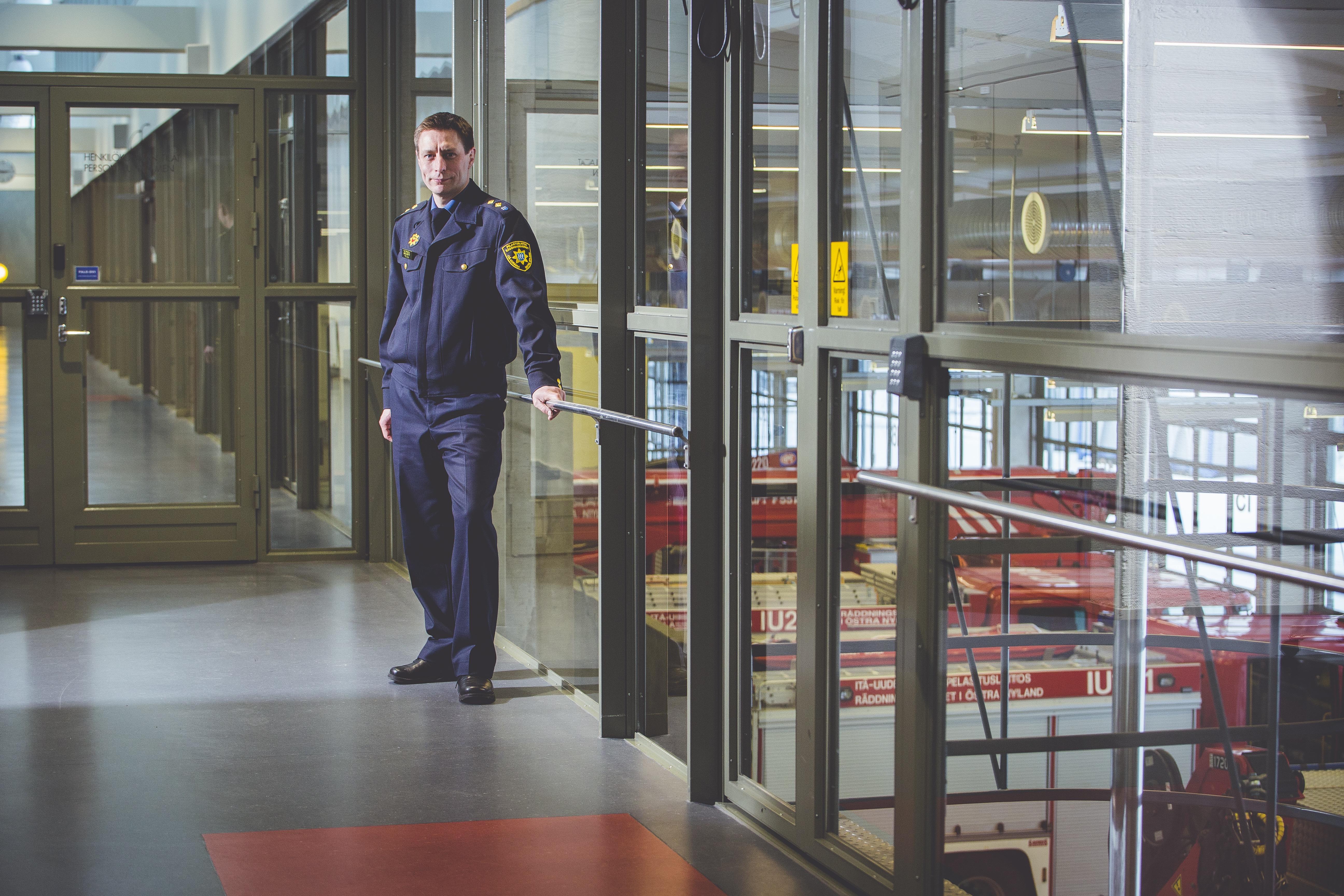 Entinen tullin rikostutkija, palotarkastaja Timo Kouki ajaa Itä-Uudenmaan pelastuslaitokselle aikaisempaa taktisempaa palontutkintaa.