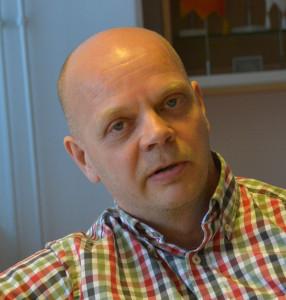 Suomen Palomiesliiton puheenjohtaja Ilkka Mustakangas toivoo laajempaa näkökulmaa tuottavuuden parantamiskeinoihin.
