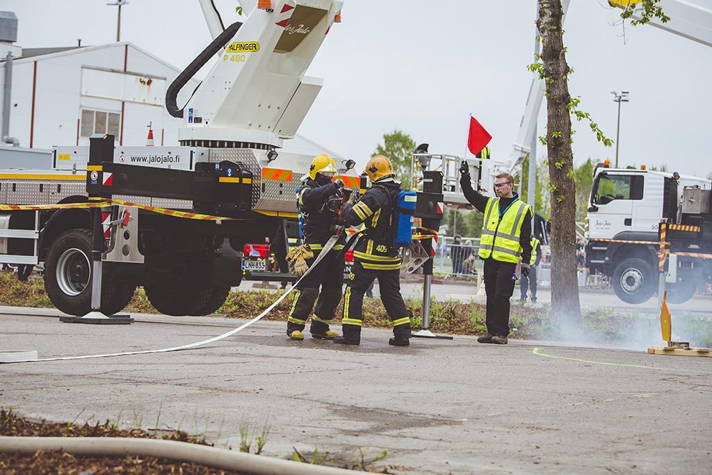 Palokuntien Jehumalja-kilpailu toukokuussa Vantaalla.