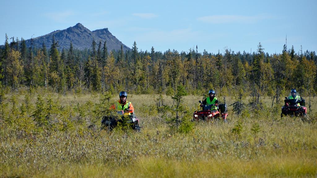 Savukosken VPK liikkui viime syksynä mönkijöillä Urho Kekkosen kansallispuistossa. Hyvä paikallistuntemus on iso apu maastopelastustehtävissä ja metsäpaloissa.