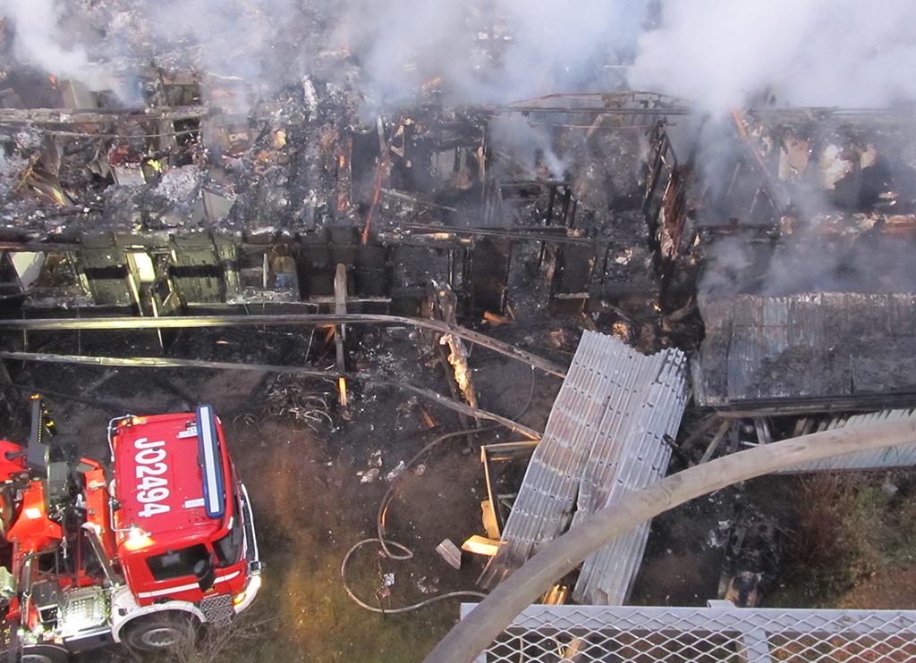 Neljän huoneiston rivitalo paloi maan tasalle Raahessa syyskuussa.