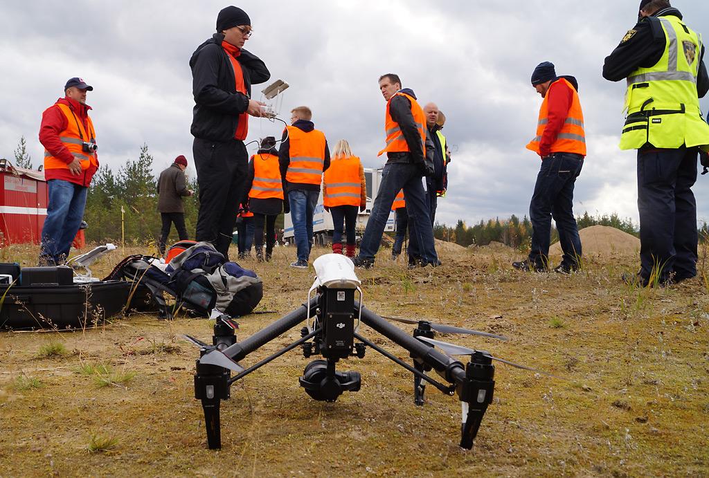 Miehittämätön kuvauskopteri lähetti suoraa videokuvaa lentopelastusharjoituksessa Mikkelissä viime syksynä.