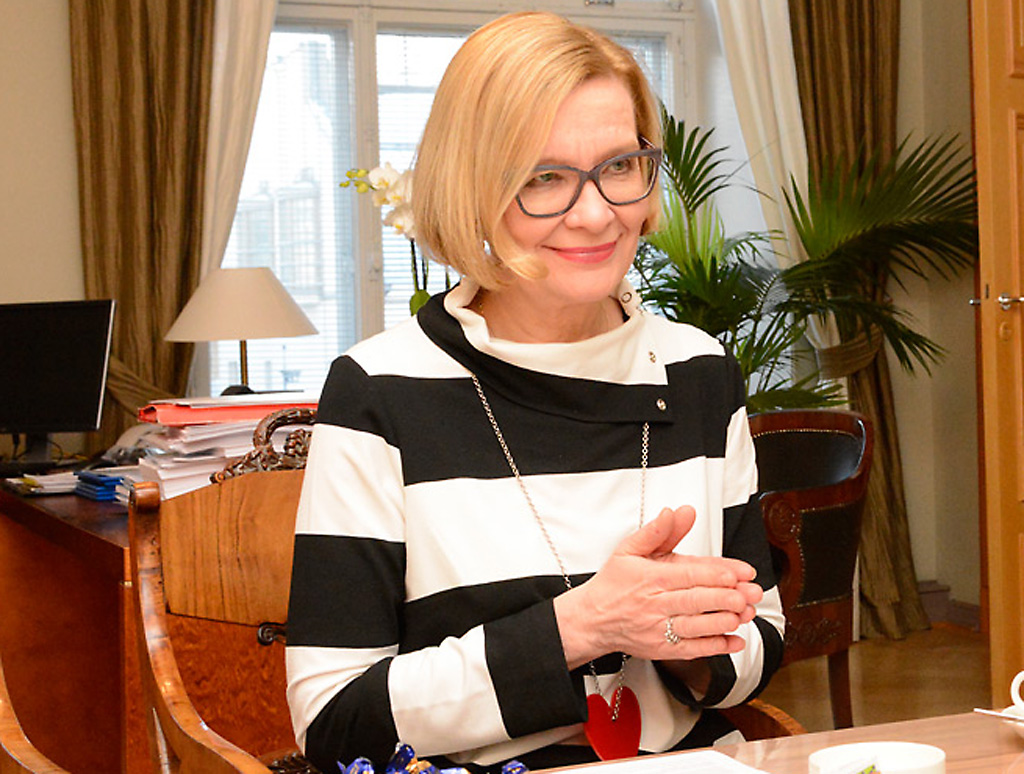 Sisäministeri Paula Risikon mielestä Helsingissä on hyvä olla pelastusalan oppilaitos jatkossakin, mutta sen hallinnointi pitää miettiä uudessa järjestelmässä.
