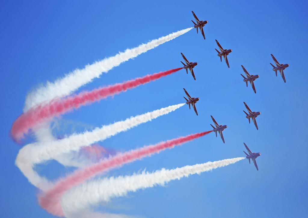 Tapahtumassa esiintyy muun muassa Englannin Kuninkaallisten Ilmavoimien taitolentoryhmä Red Arrows.