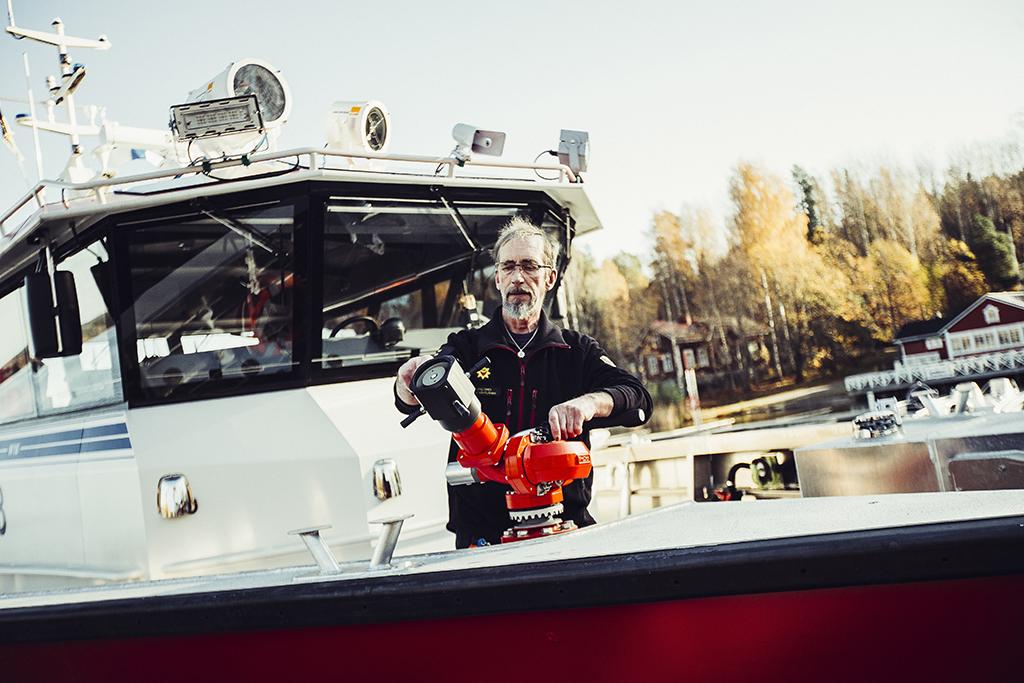 Norppa III on Saimaan alueella ainoa pelastustoimen alus, joka varustettu kiinteällä vaahtojärjestelmällä.