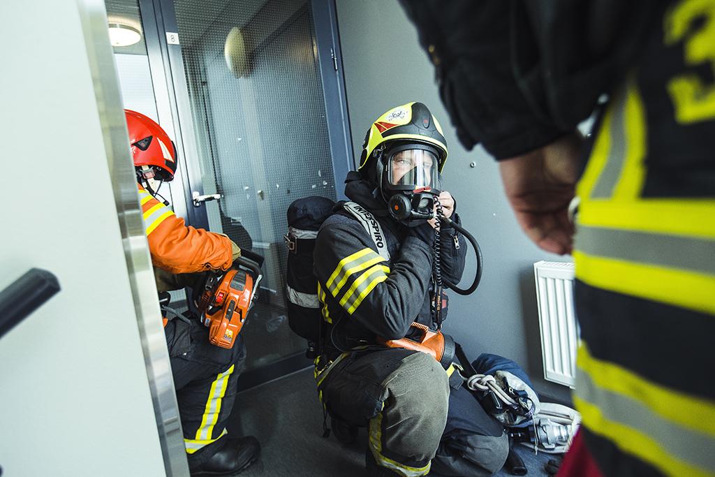 Viimeisen sadan vuoden aikana palomiehen työnkuva on erikoistunut, teknistynyt ja laajentunut ensihoitoon.