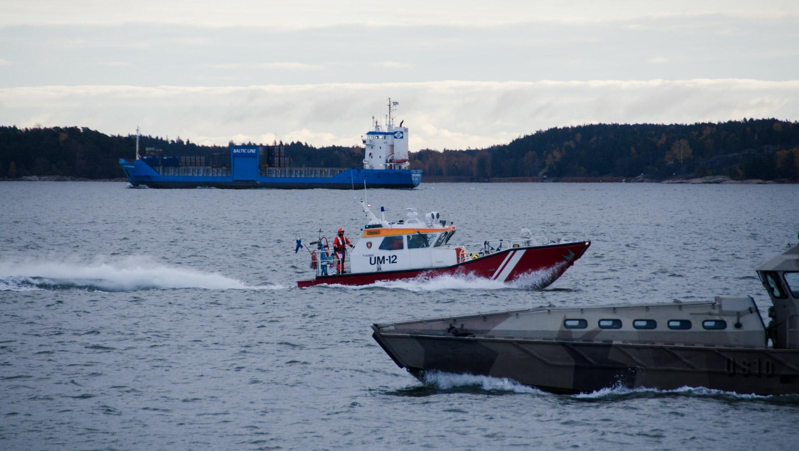 Neste 2017 -suuronnettomuusharjoituksen lähtökohtana oli matkustaja-aluksen ja öljytankkerin yhteentörmäys Turun ja Naantalin satamiin johtavalla väylällä. Mittavan harjoituksen kokonaisvahvuus nousi noin 300 henkeen.
