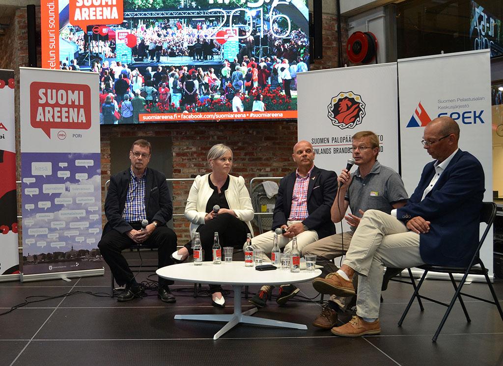Suomi-Areenassa 2016 keskusteltiin pelastusalasta.