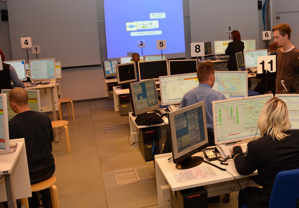 Hätäkeskuspäivystäjäkoulusta on 20 vuoden ajan annettu Pelastusopistossa Kuopiossa.