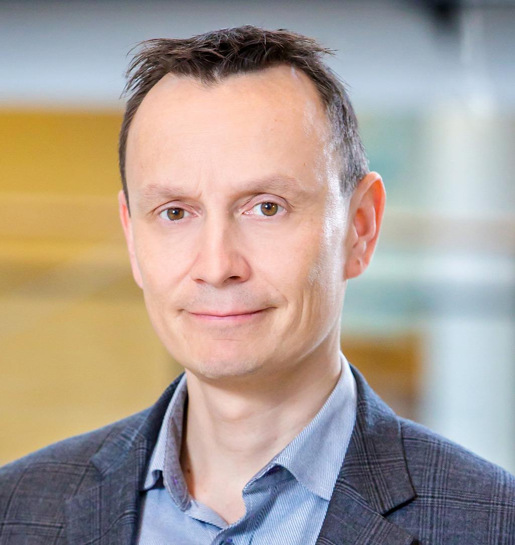 Anestesiologian ja tehohoidon erikoislääkäri Markus Skrifvars aloittaa 1. helmikuuta ensimmäisenä ensihoitolääketieteen osa-aikaisena professorina Helsingin yliopistossa.