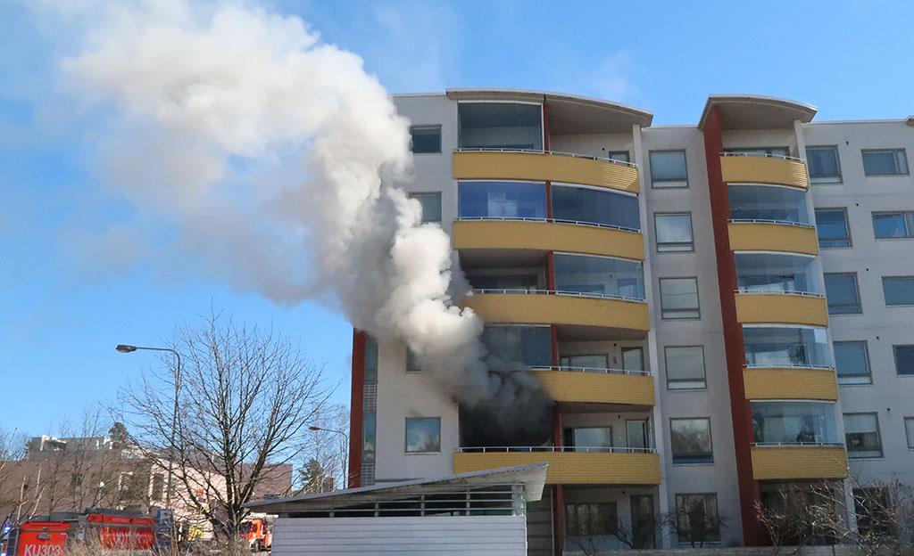 Palo-osastoinnin tärkeys korostuu esimerkiksi kerrostalopaloissa.