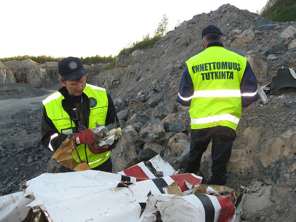 Lento-onnettomuus Kalajoen lentopaikan kiitotien 23 lähestymislinjalla 28.5.2009.