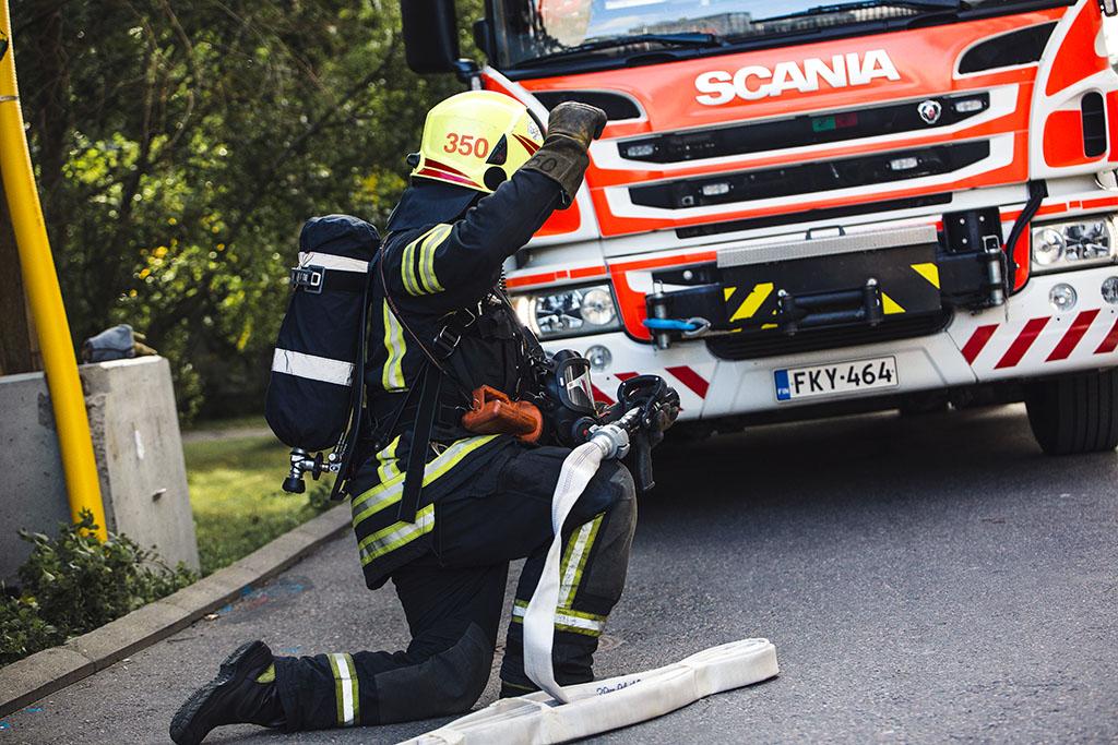 Pelastustoimeen luotetaan edelleen, ja sen toimintaa pidetään tehokkaana ja ammattitaitoisena.