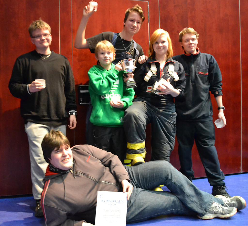 Voittajien hymyä Rescue Race -kisoissa 2014, jolloin se edellisen kerran järjestettiin Hämeessä.