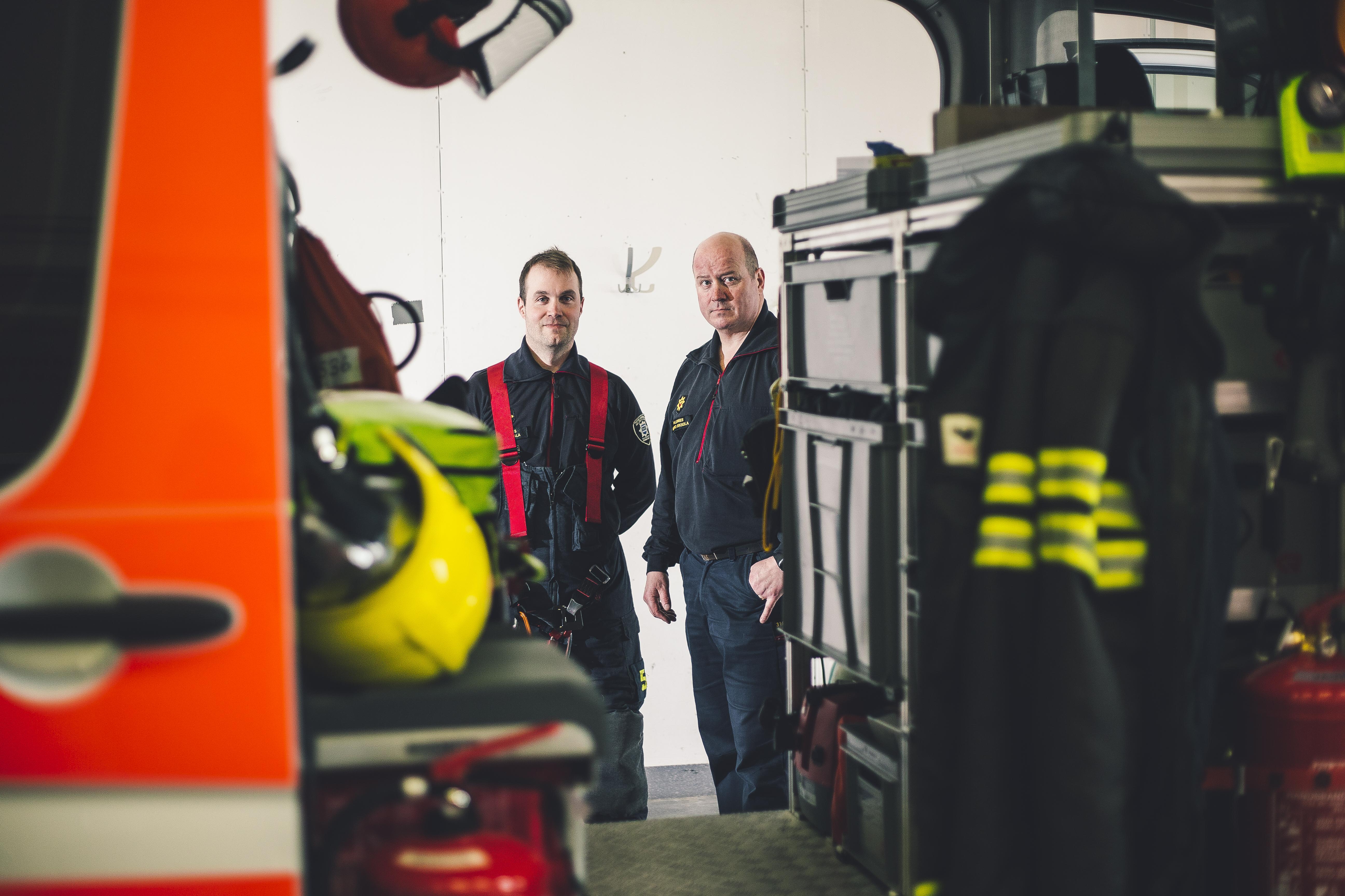 Palomiehet Juha Ojala ja Rauno Mikkola ovat viihtyneet kärkiyksikössä.