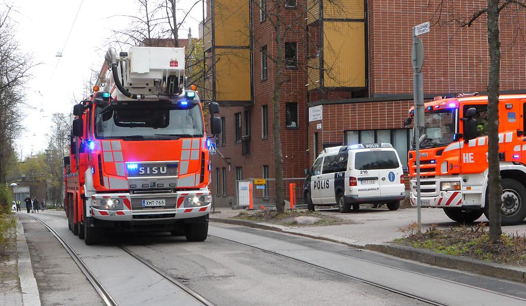 Pelastustoimi oli jälleen luotetuin turvallisuusviranomainen Poliisibarometri -haastattelututkimuksessa. Poliisi oli toiseksi luotetuin.