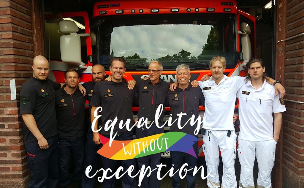 Helsinki Firefighters toivottaa Instagramissa tällä kuvalla iloista alkanutta Pride-viikkoa.