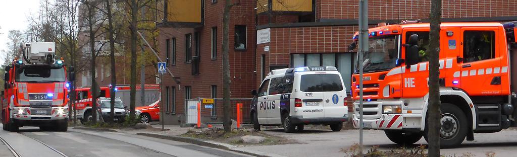 Pelastustoimi on luotetuin ja poliisi toiseksi luotetuin Poliisibarometriin osallistuneiden