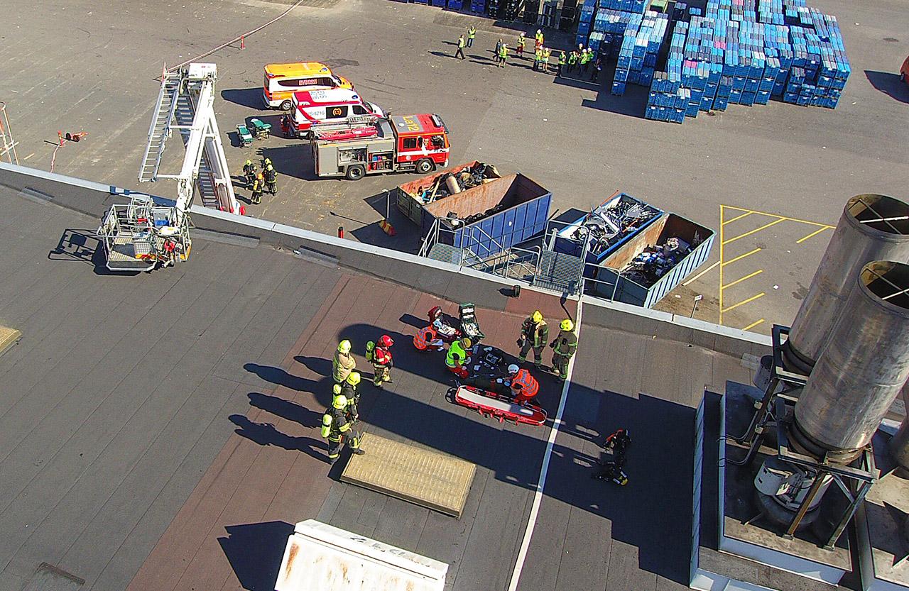 Valmet Automotiven autotehtaan maalaamon katolla syttyi kuvitteellinen tulipalo. Pelastustoimen osalta harjoitukseen osallistui kaksi sammutusyksikköä, puomitikas ja palomestari Varsinais-Suomen pelastuslaitokselta. Mukana olivat myös poliisi ja ensihoito ja Securitas Oy.