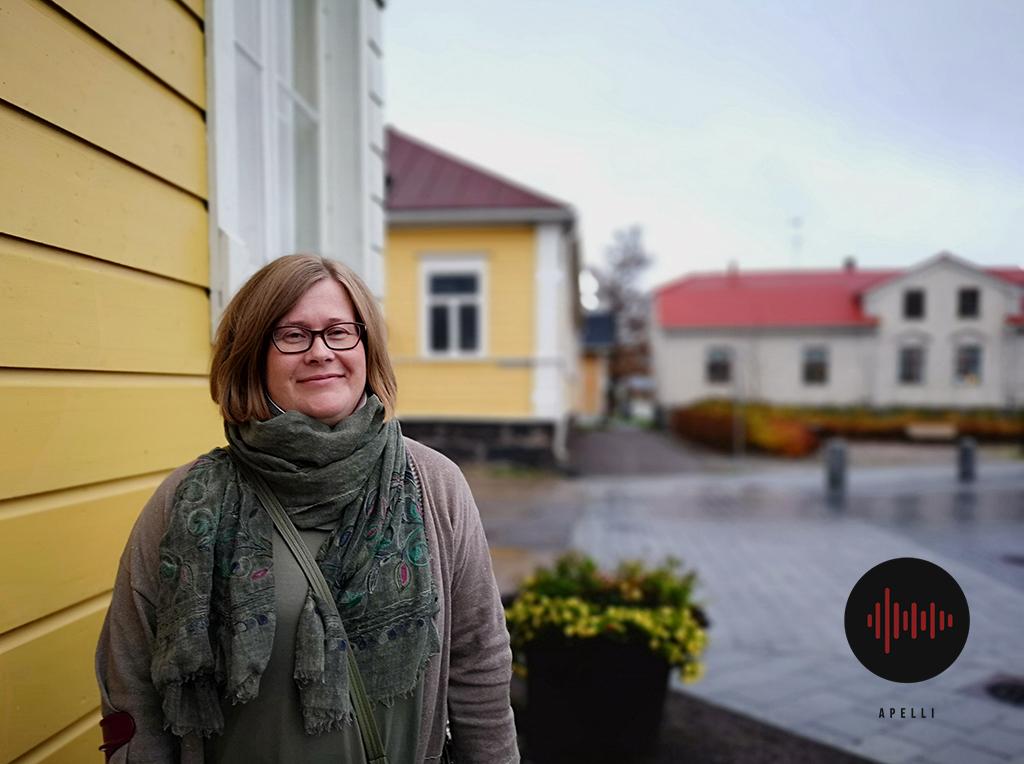 Piia Vähäsalo johti Jokilaaksojen pelastuslaitosta kymmenen vuotta. Nyt hän toimii Langin kauppahuoneen toimitusjohtajana Raahessa.