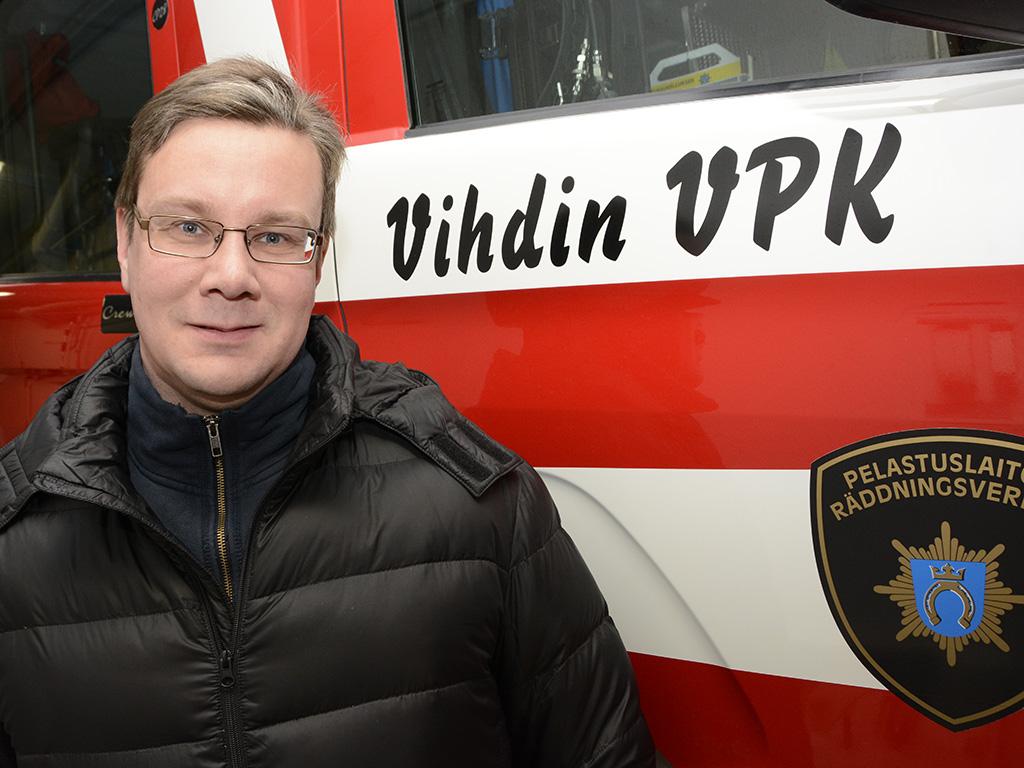 Vihdin VPK:n varapäällikkö ja kunnallispoliitikko Erkki Aronen tavoittelee 14. huhtikuuta pidettävissä eduskuntavaaleissa kansanedustajan paikkaa.