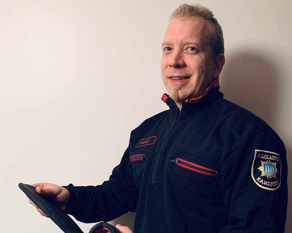Kristian Uusitalo kehitteli ensiaputyynyn, joka auttaa elvytystilanteessa.
