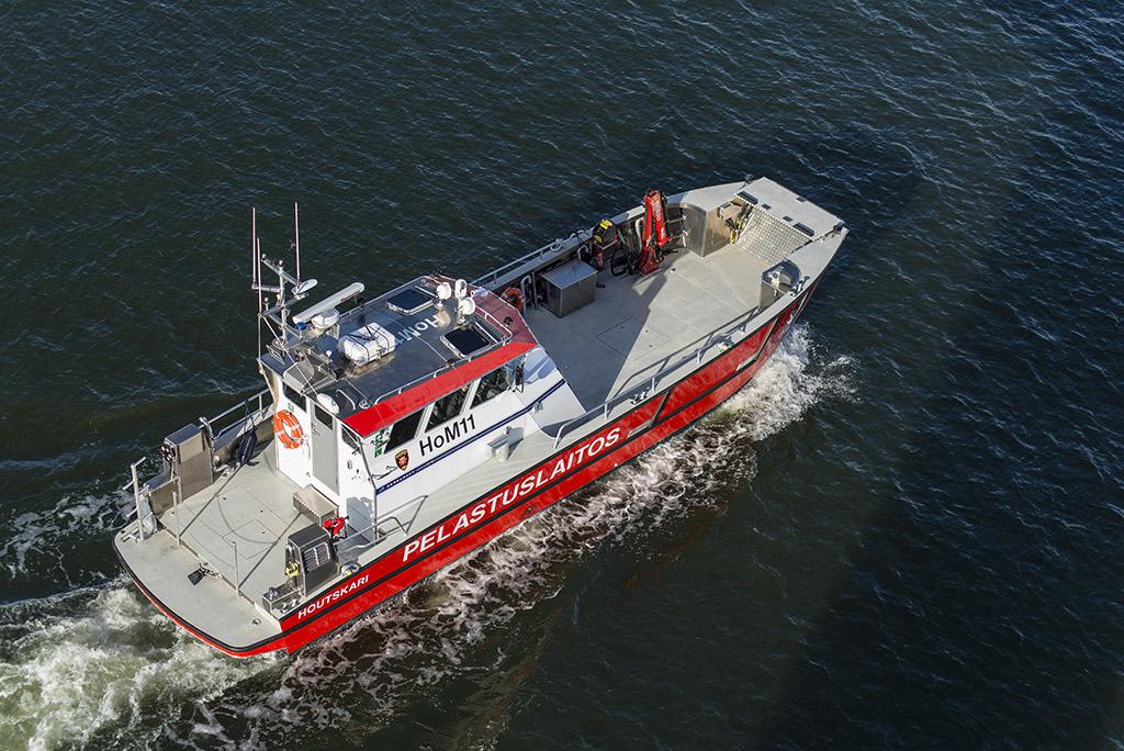 Tämä on Houtskariin jo aikaisemmin hankittu alus, joka on samaa mallia kuin nyt ostetut. Varsinais-Suomen pelastuslaitoksella on nyt yhteensä kolme uutta E-luokan öljyntorjunta-alusta. Yhteensä aluksia on kahdeksan.