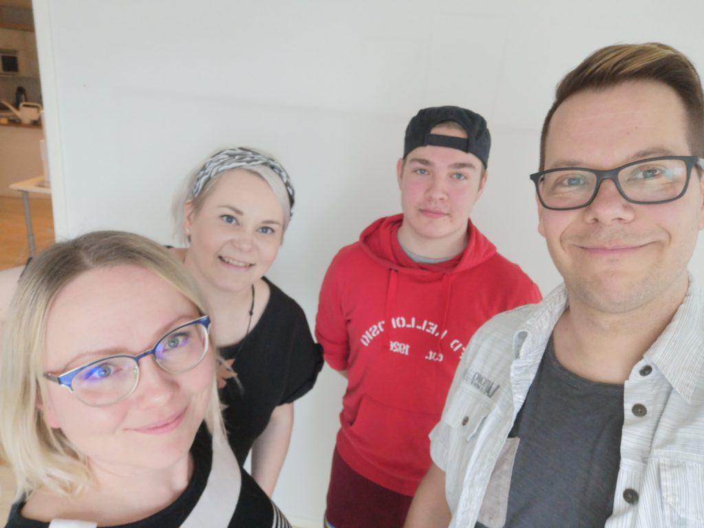 Apelli-podcastissa Kaisu Puranen, Mira Leinonen, Toni Saastamoinen ja Toni Alatalo.