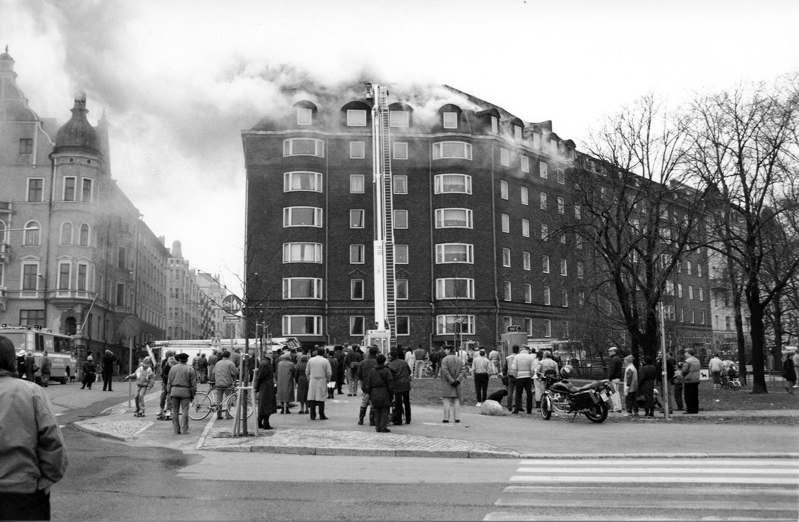 Helsinkiläisen arvokiinteistön vaikeassa ullakkopalossa korostui jälkivahinkojen torjunnan merkitys.