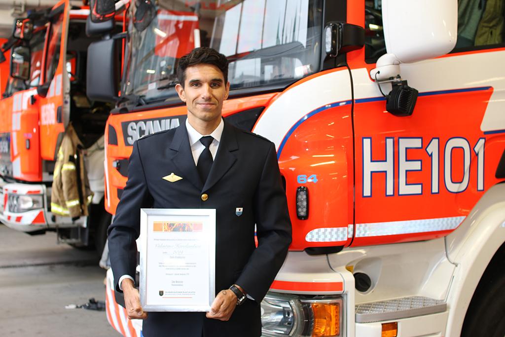Valentino Haralambiev on suorittanut ensihoitoon suuntautuneen lähihoitajan tutkinnon 2006 ja Helsingin pelastuskoulun pelastaja-ensihoitajatutkinnon vuonna 2008.