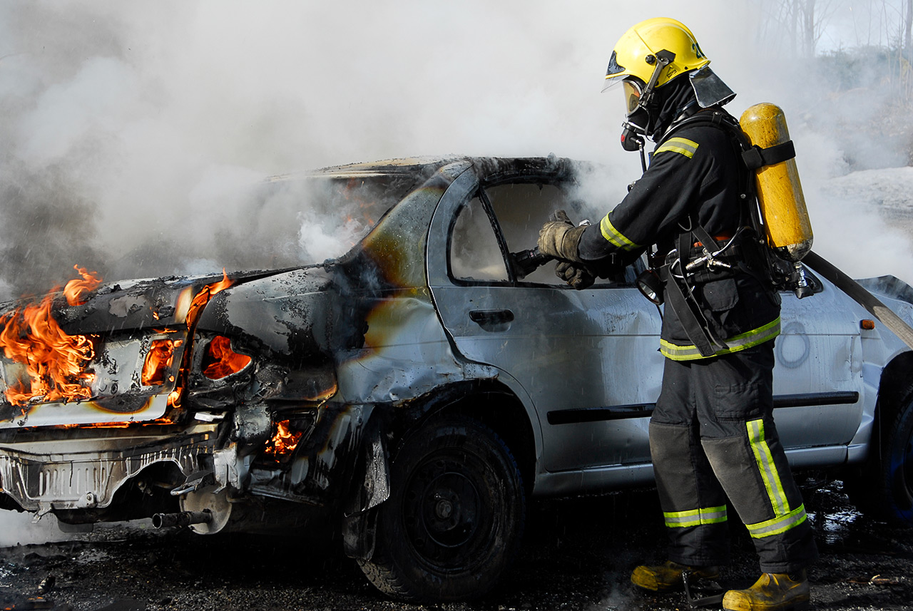 Oikein käytettyinä ja huollettuina paineilmalaitteet ja sammutusasu suojaavat pelastajaa hyvin. Olennaista on välttää altistumista myös sammutusautossa ja paloasemalla.
