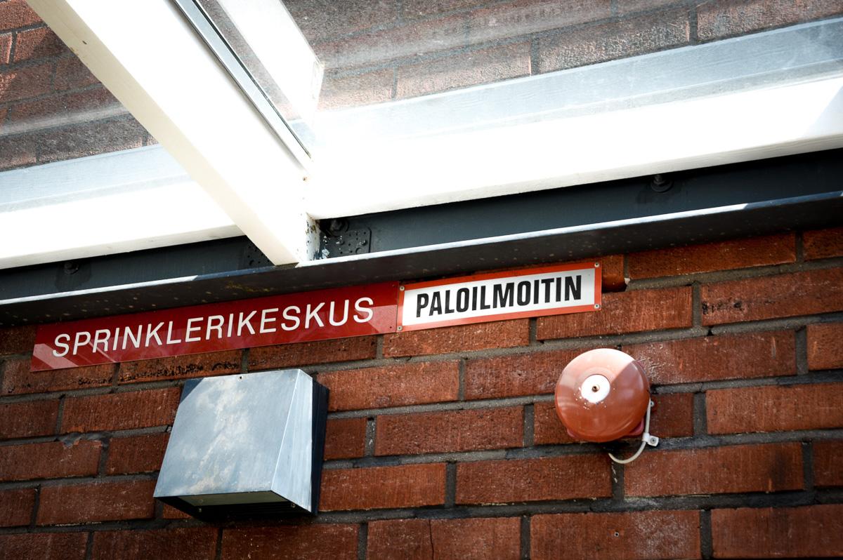 Antinkodissa Helsingissä kuvaus Paloturvallisuustekniikkaa käsittelevään juttuun Pelastustiedossa 4–5/2020. Kuva: Kimmo Kaisto