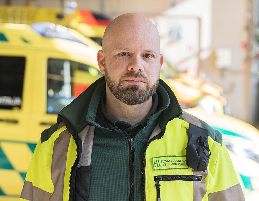 HUS Lohjan alueen ensihoidon kenttäjohtaja Janne Keto valittiin tänä vuonna vuoden ensihoitajaksi.