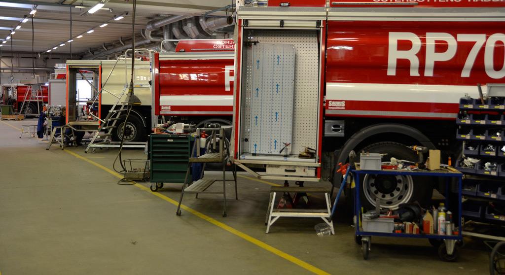 Saurus Oy voitti hankintayksikön tarjouskilpailun. Kuva Sauruksen tehtaalta Säynätsalosta.